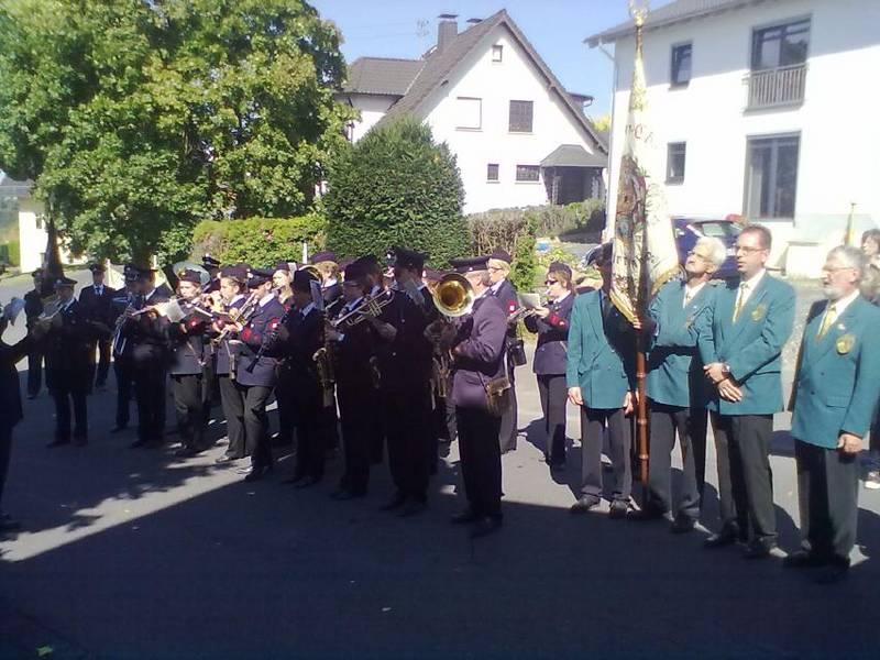 Quirrenbacher Prozession mit dem Männerchor
