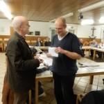 Johannes Pieger wird vom Vorsitzenden begrüßt